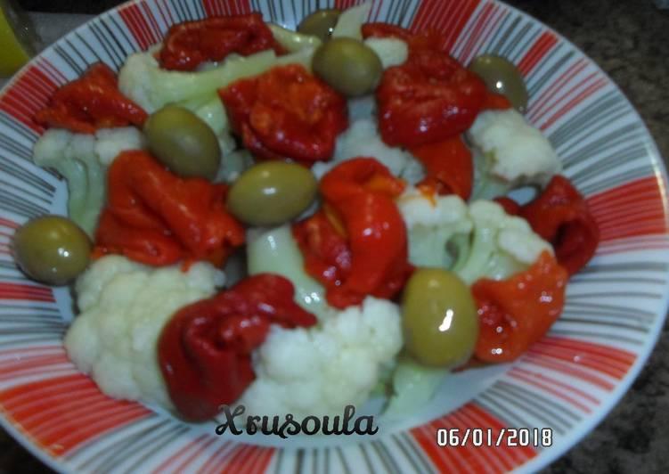 Σαλάτα κουνουπίδι με πιπεριές Φλωρίνης
