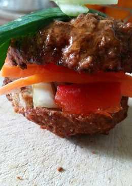 Μπιφτέκι γεμιστό με ωμά λαχανικά