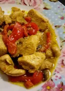 Κοτόπουλο στο τηγάνι με πιπεριές και μανιτάρια!!!