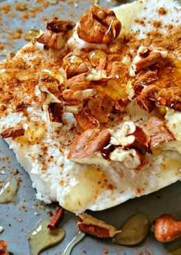 Κυπριακή αναρή με καρύδια, μέλι και κανέλλα