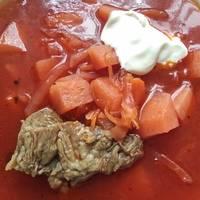 Борщ с фасолью на говяжьем бульоне