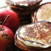 Оладьи на кефире 🍶 с яблоком 🍎