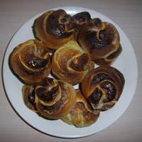 Простые и быстрые булочки с сахаром и корицей