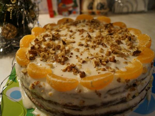 Торт медовый с апельсинами и сметанным кремом