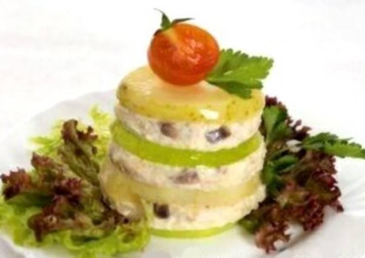Новогодний салат с форшмаком из сельди «Башня»