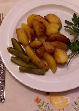 Картофель жареный с розмарином и чесноком