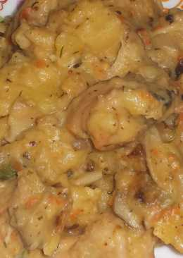 Гузки индейки в соусе с картофелем и белыми грибами