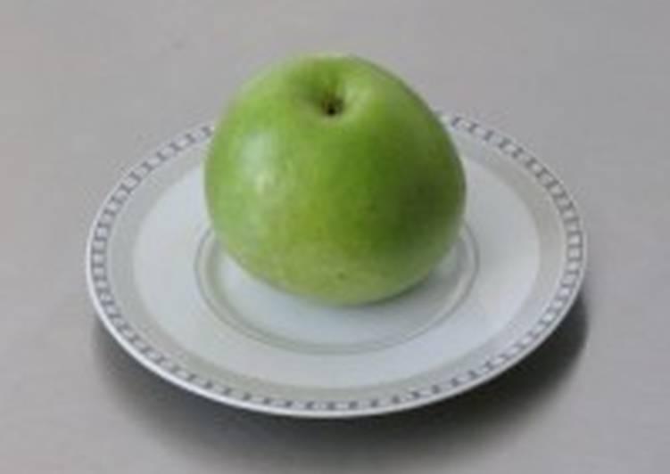 Компот из свежих яблок и слив