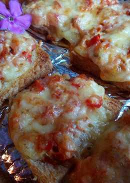 Горячие бутерброды с ветчиной, сыром и овощами