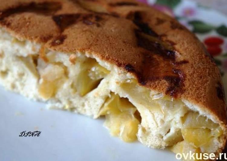 Пирог с яблоками (шарлотка) в мультиварке
