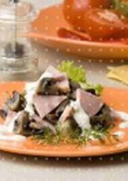 Салат из грибов с патиссонами и картофелем