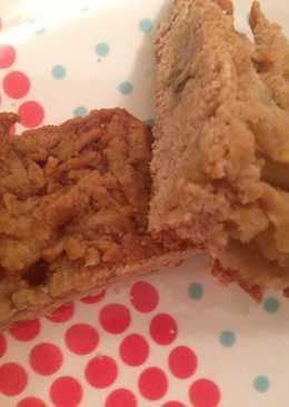 Тертый пирог с бананом и манго