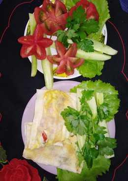 Жареный лаваш с сыром и помидорами
