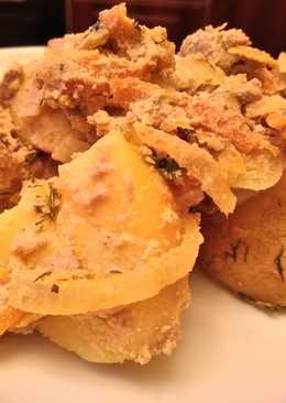 Куриная печень с овощами в сметане