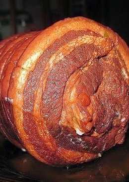 Свиной рулет в луковой шелухе - пальчики оближете