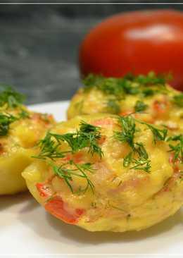 Картофель фаршированный курицей и помидором