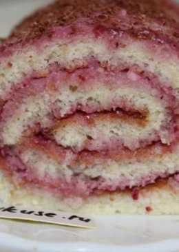 Бисквитный рулет с творожно-вишневой начинкой