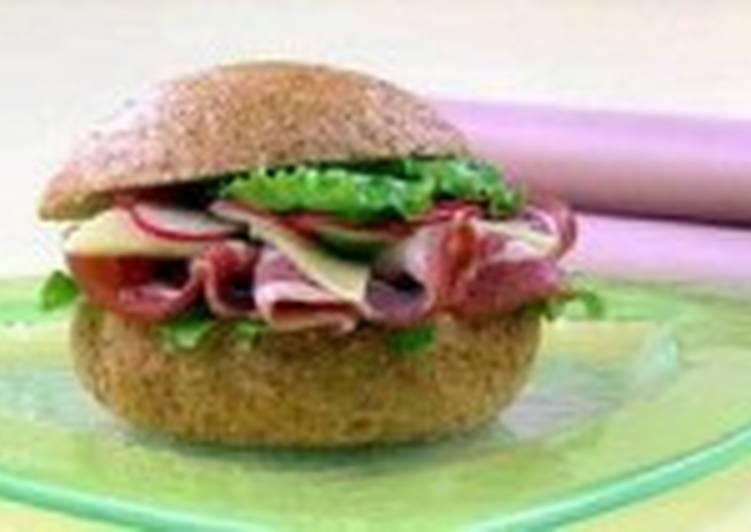 Сэндвичи с беконом и редисом