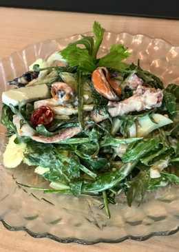 Салат с морским миксом