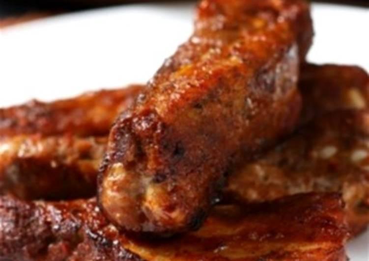 Запеченный свиной окорок с луком и барбекю