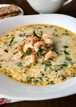 Сырный суп с креветками и рыбой