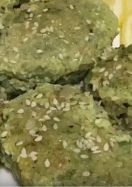 Рыбные котлеты со шпинатом в кунжуте#чемпионатмира#франция