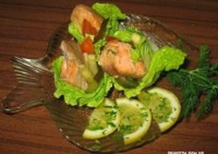 Салат с рыбой горячего копчения под майонезом