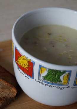 Сырный суп с фаршем и пореем