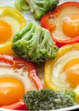 Оригинальные идеи для жарки яиц :) 4 варианта С фото