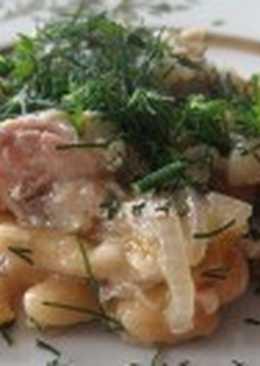 Салат с рыбными консервами и фасолью