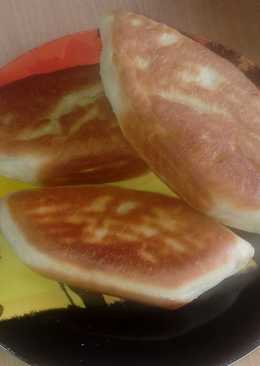 Пирожки жареные с луком и яйцом