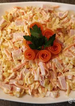 Быстрый салат с морковью и колбасой