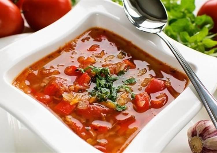 Томатный суп по-польски с огурцом и рисом
