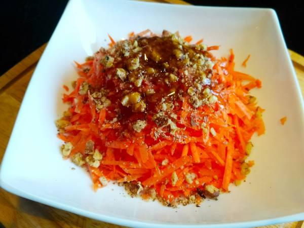 Салат из моркови с медом