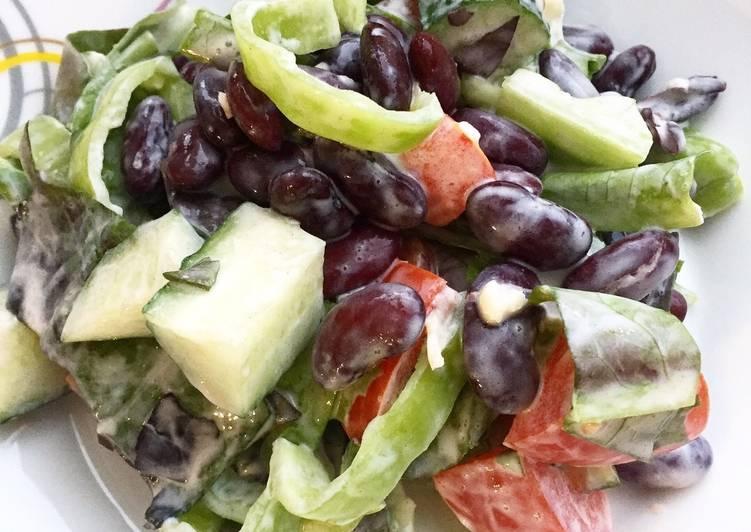 Салат из красной фасоли и чеснока