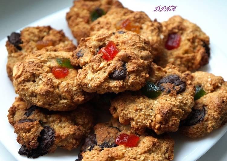 Овсяно-яблочное печенье с арахисом и шоколадом без яиц и масла