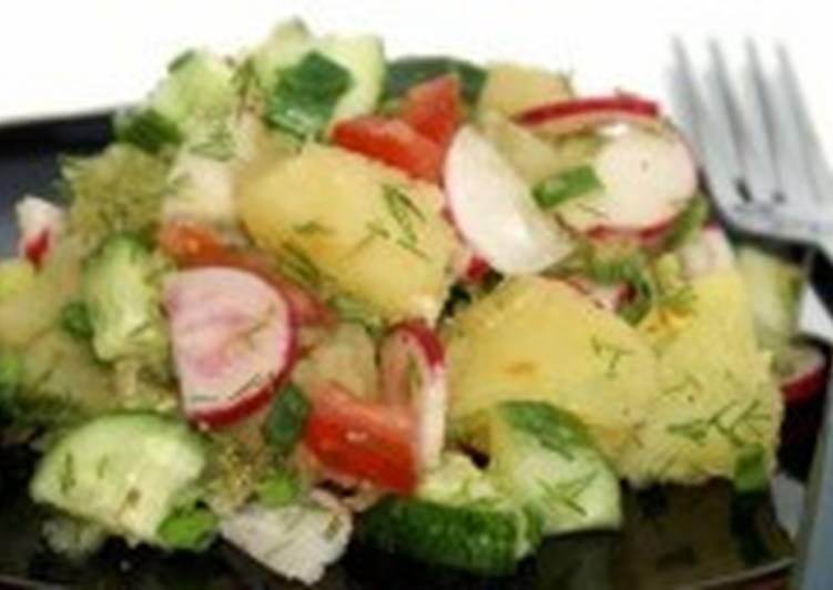 Салат с макаронами, помидорами и кабачками