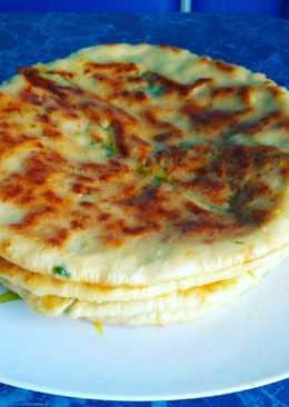 Лепешки с сыром и зеленью на завтрак