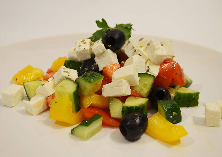 Греческий салат с Фета