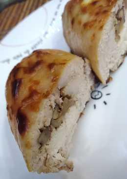 Куриные рулеты с грецким орехом и творожным сыром