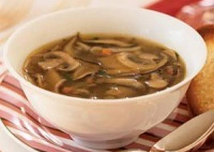 Грибной диетический суп с капустой, фасолью, горошком