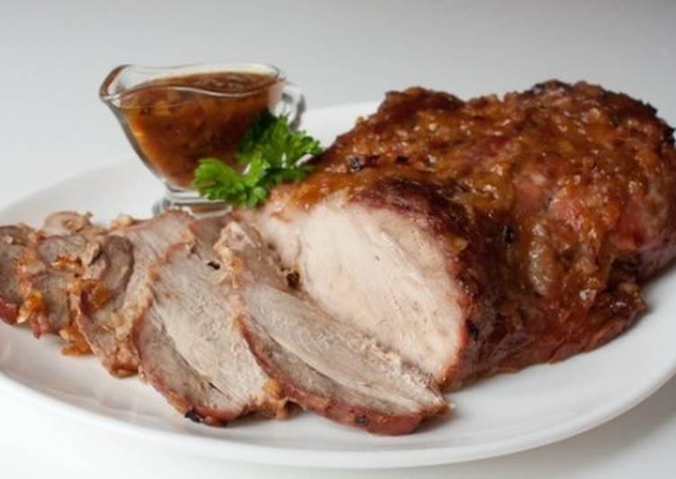 Запеченная по-чешски свиная лопатка