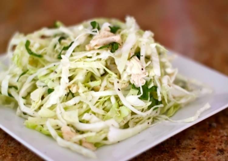 Салат с капустой и курицей