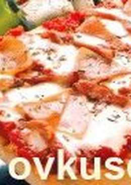 Пицца с помидорами и творогом
