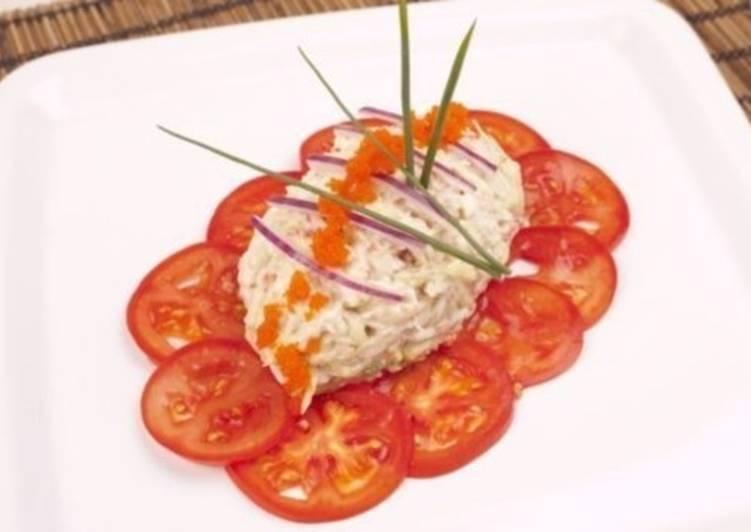 Салат с крабовым мясом и айсбергом