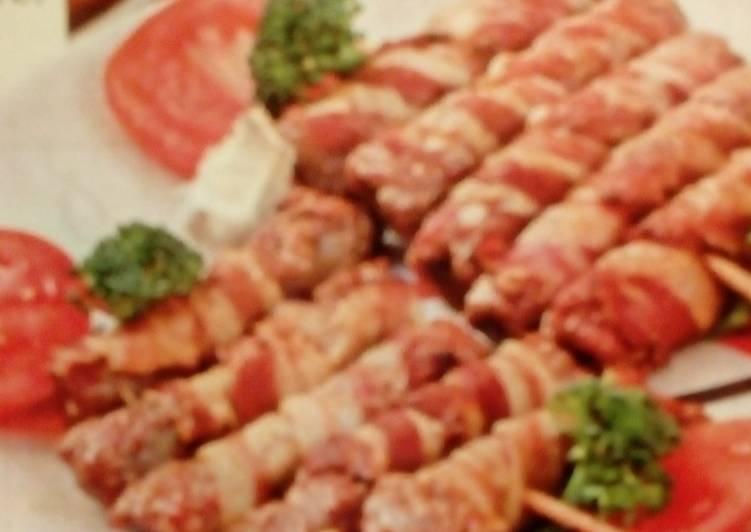 колбаски из фарш говяжий в беконе рецепт