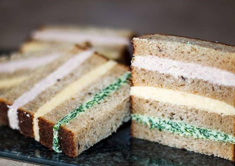 Необычные бутерброды в полоску