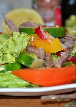 Острый говяжий салат с глубоким каскадом вкусов