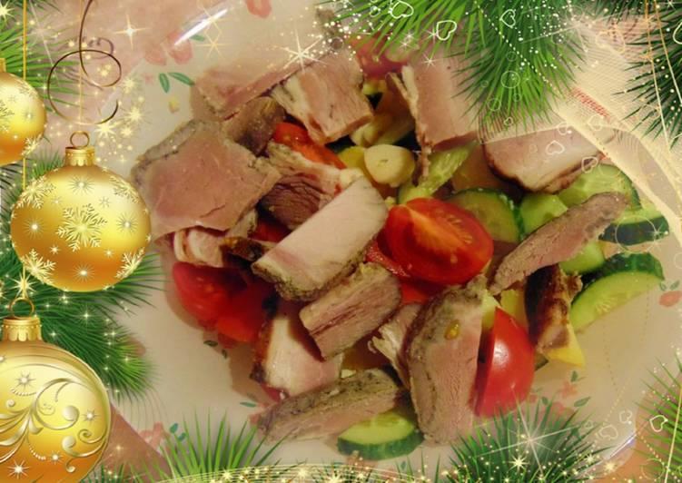Сытный салат с картофелем и карбонадом