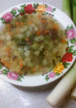 Картофельный суп с луком порей